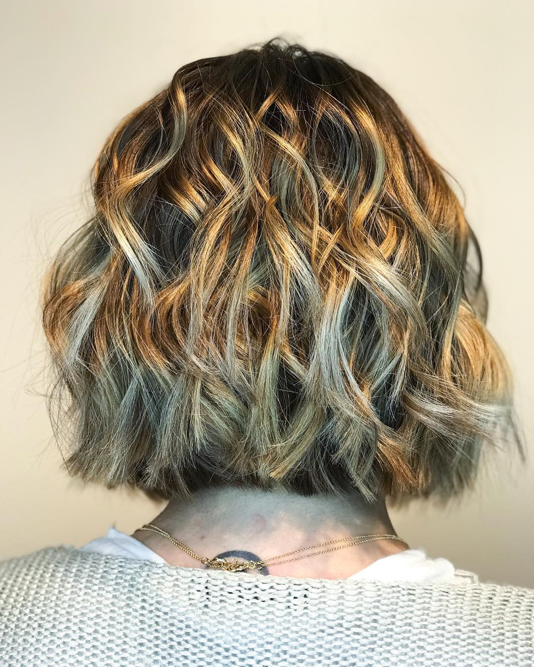 11 Beautiful Medium Length Hairstyles (April 11 Collection)
