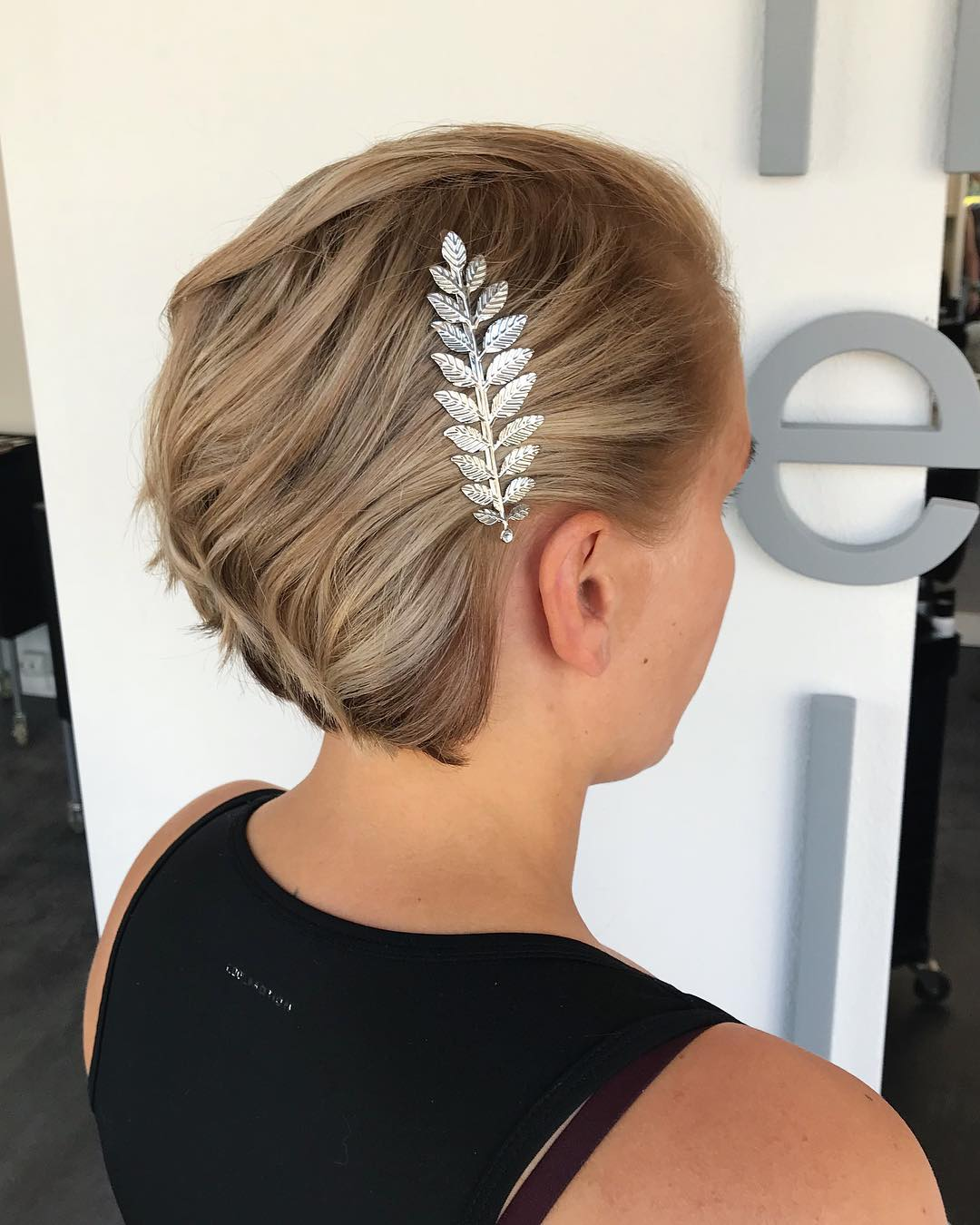 Most Popular Wedding Hairstyles: 30 Of The Most Elegant Wedding Short Hairstyles Of August 2019