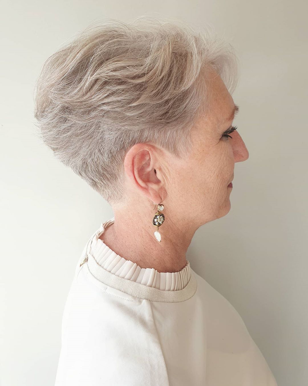 33 Short Hairstyles For Older Women July 2020 Edition